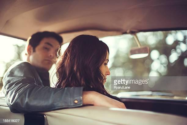 Intérieur de voiture Vintage Couple Conflit
