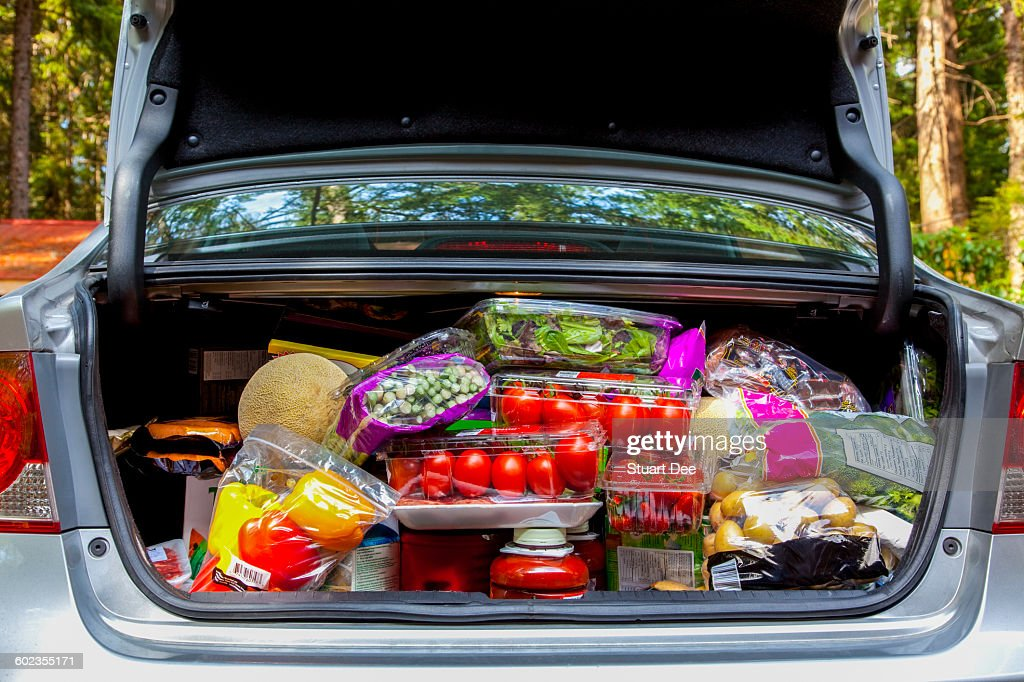 Car with groceries : Photo