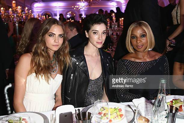 Cara Delevigne Annie Clark and Mary J Blige attend the De Grisogono party during the 68th annual Cannes Film Festival on May 19 2015 in Cap d'Antibes...