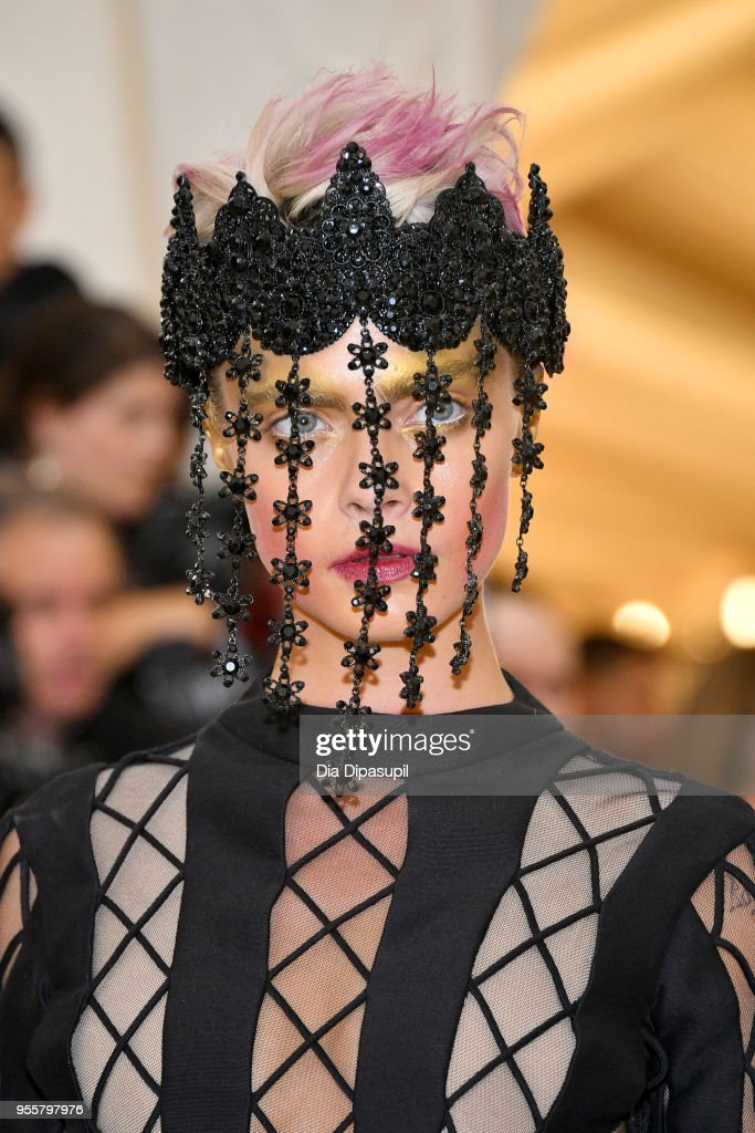 Heavenly Bodies: Fashion & The Catholic Imagination Costume Institute Gala : Nachrichtenfoto