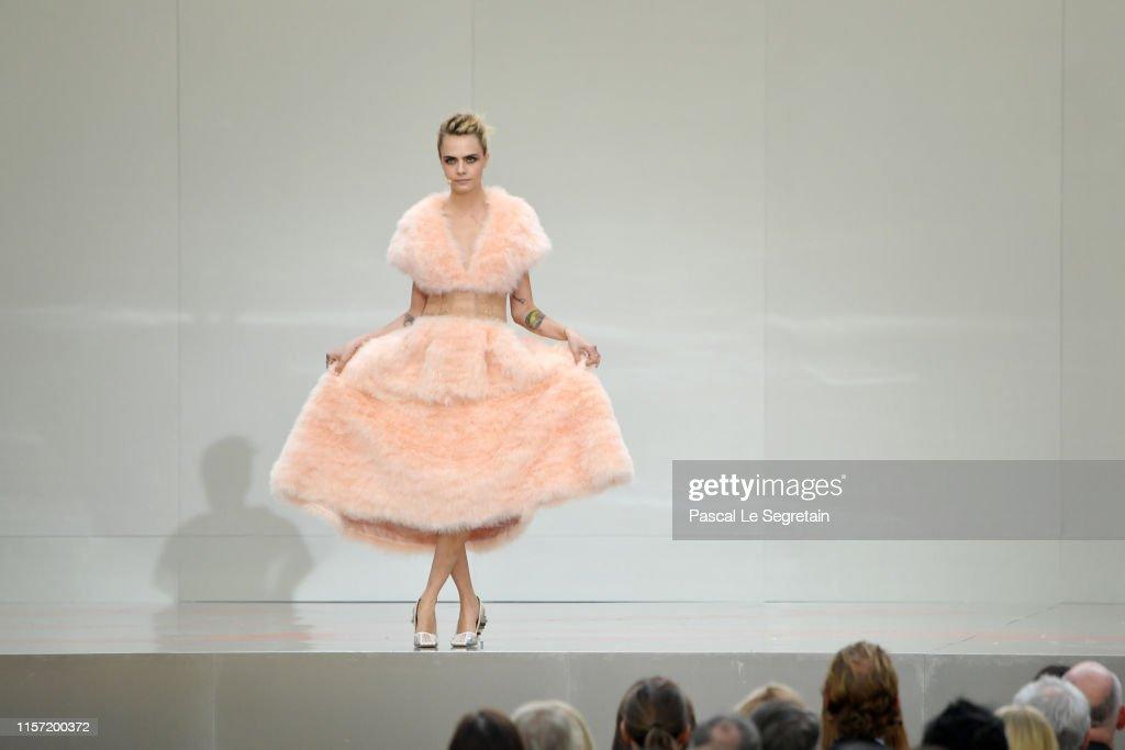 """""""Karl For Ever"""" At Le Grand Palais : Fotografía de noticias"""