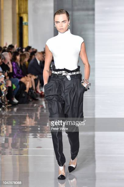 Cara Delevingne walks the runway during the Balmain show as part of the Paris Fashion Week Womenswear Spring/Summer 2019 on September 28 2018 in...