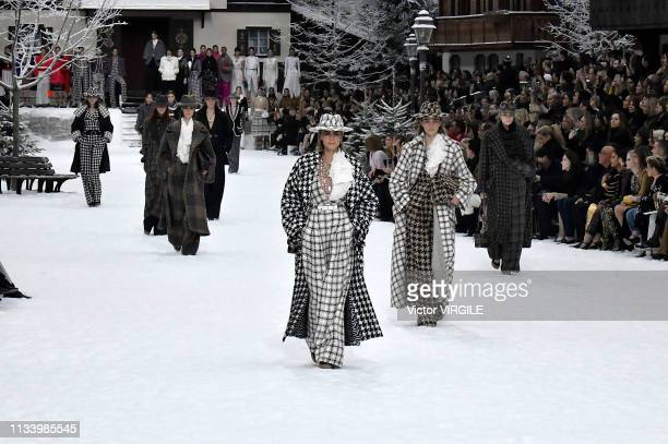 Cara Delevingne walks the runway during the Chanel Ready to Wear fashion show as part of the Paris Fashion Week Womenswear Fall/Winter 2019/2020 on...