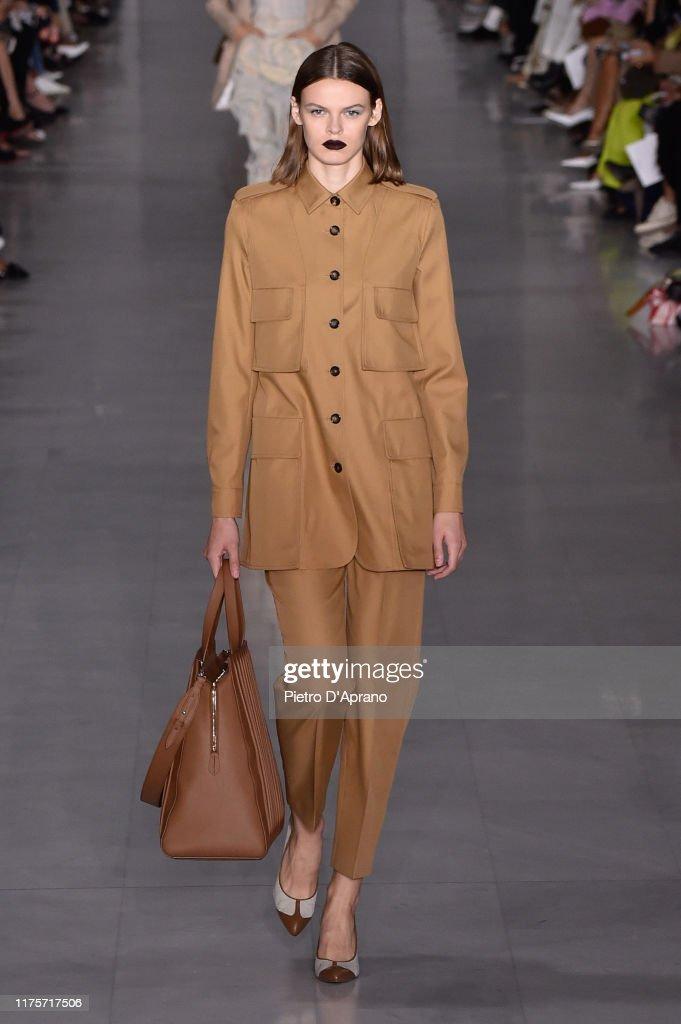 Max Mara - Runway - Milan Fashion Week Spring/Summer 2020 : Photo d'actualité