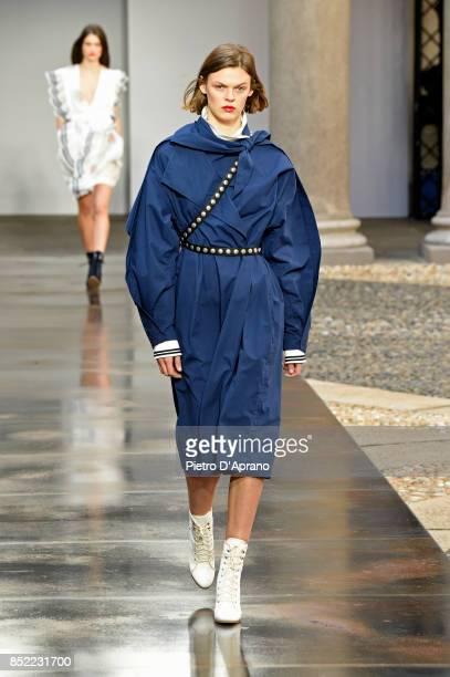 Cara Taylor walks the runway at the Philosophy By Lorenzo Serafini show during Milan Fashion Week Spring/Summer 2018 on September 23 2017 in Milan...