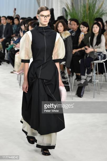 Cara Taylor walks the runway during the Loewe Womenswear Spring/Summer 2020 show as part of Paris Fashion Week on September 27, 2019 in Paris, France.