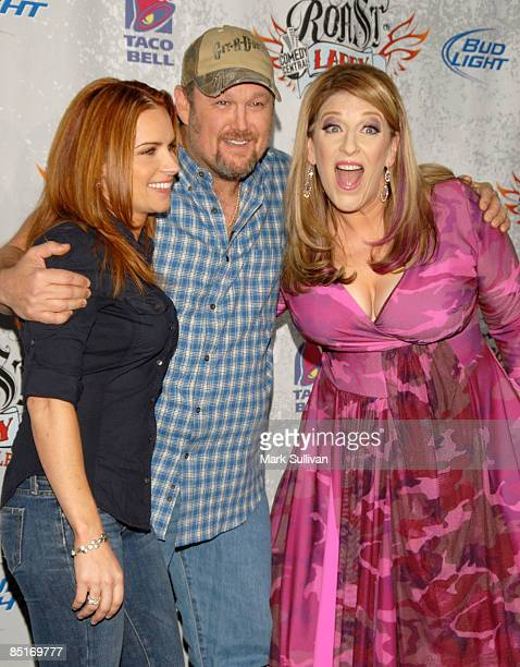 Cara Whitney Larry The Cable Guy and Lisa Lampanelli arrive at Comedy Central presents Roast of Larry The Cable Guy at Warner Brothers on March 1...
