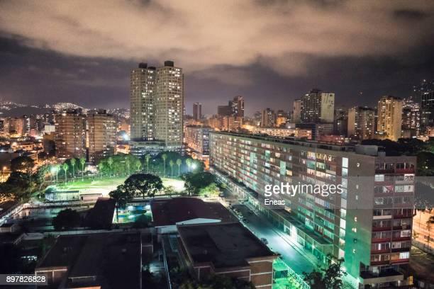 caracas de noche - caracas stock pictures, royalty-free photos & images