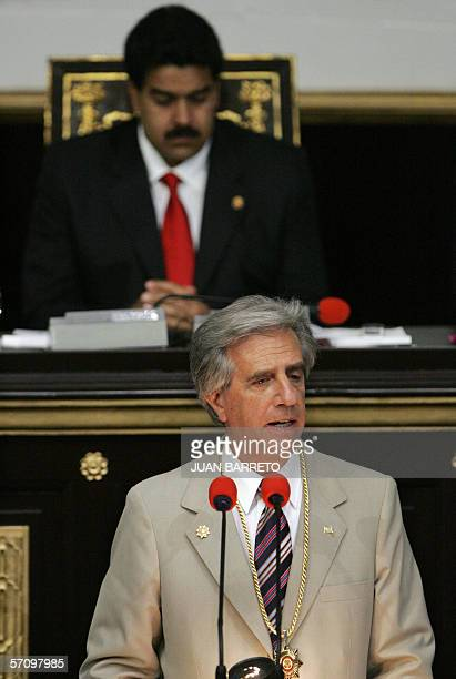 El presidente de Uruguay Tabare Vazquez ofrece un discurso en la sede de la Asamblea Nacional en la capital venezolana el 15 de marzo de 2006...