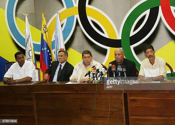 El viceministro de Deporte Eduardo Alvarez partcipa en una conferencia de prensa junto a representantes de baloncesto nacional en la sede Comite...