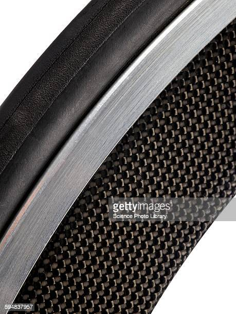Carbon fibre bicycle wheel