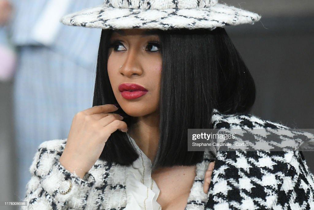 Chanel : Photocall - Paris Fashion Week - Womenswear Spring Summer 2020 : News Photo