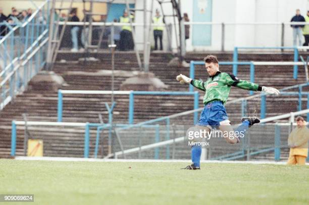 Cardiff 3-1 Lincoln, League Division 3 match at Cardiff City Stadium, Monday 12th April 1993. Gavin Ward, Cardiff Goalkeeper in action.