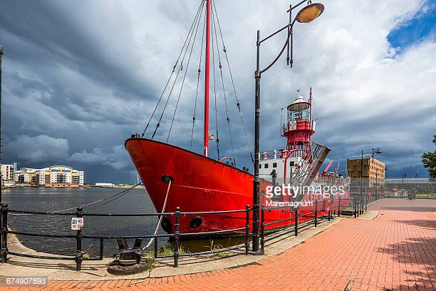 cardiff bay, a boat in the roath basin - cardiff wales stock pictures, royalty-free photos & images