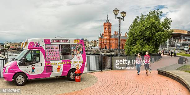 cardiff bay, ice cream seller - 7894 stock pictures, royalty-free photos & images