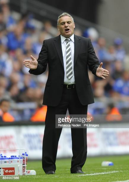 Cardiff City manager Dave Jones on the touchline