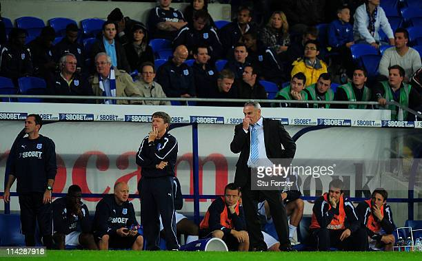 Cardiff manager Dave Jones looks on dejectedly during the npower Championship Play Off Semi Final Second Leg between Cardiff City and Reading at...