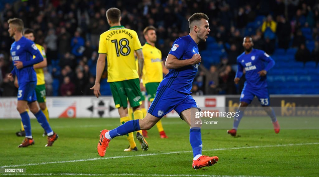 Cardiff player Joe Ralls scores the first City goal from the penalty spot during the Sky Bet Championship match between Cardiff City and Norwich City at Cardiff City Stadium on December 1, 2017 in Cardiff, Wales.
