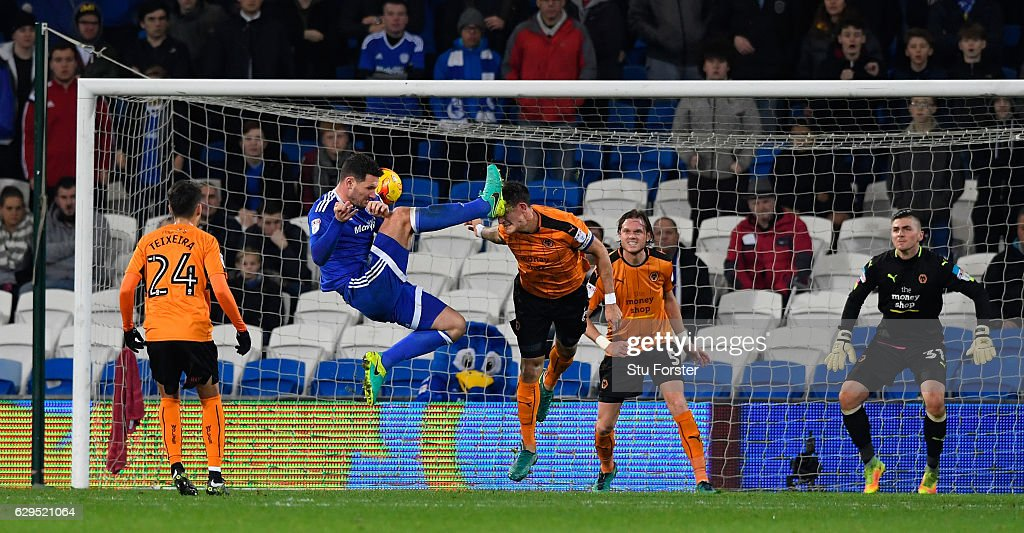 Cardiff player Sean Morrison (c) catches Wwolves captain Danny Batth on the head during the Sky Bet Championship match between Cardiff City and Wolverhampton Wanderers at Cardiff City Stadium on December 13, 2016 in Cardiff, Wales.