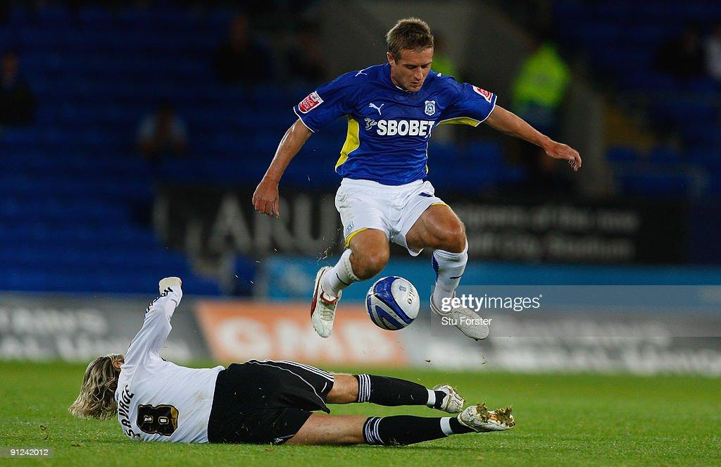 Cardiff City v Derby County : News Photo