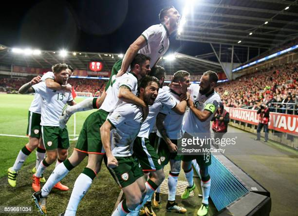 Cardiff United Kingdom 9 October 2017 James McClean second from right celebrates after scoring his side's goal with his Republic of Ireland teammates...