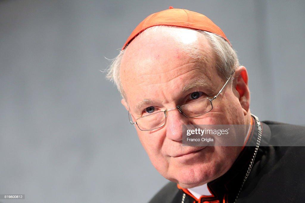 Vatican Realise Pope Francis Apostolic Exhortation 'Amoris Laetitia' : News Photo