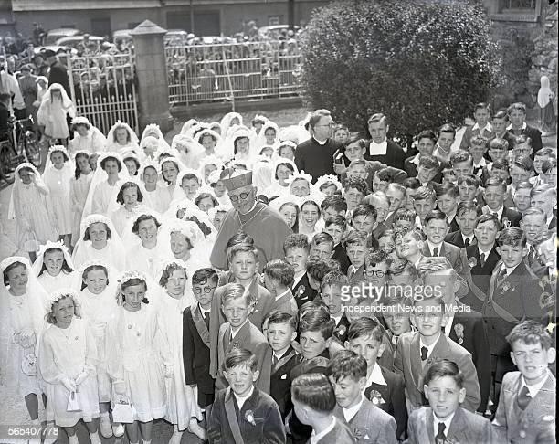 Cardinal D'Alton with pupils of De La Salle Convent of Mercy schools