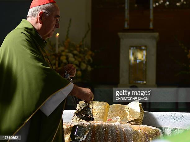 Cardinal Stanislaw Rylko officiates a mass to celebrate the arrival in Brazil of the relics of blessed John Paul II at the Medalha Milagrosa...