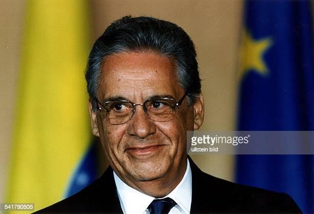 Cardoso Fernando *Politiker Soziologe BrasilienStaatspraesident 19952002 Portrait laechelt