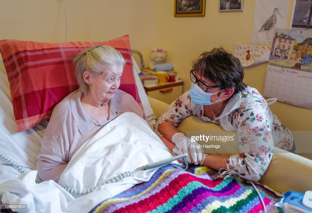 Daughter Able To Make Care Home Visit To Mother After Rapid Covid Testing : News Photo