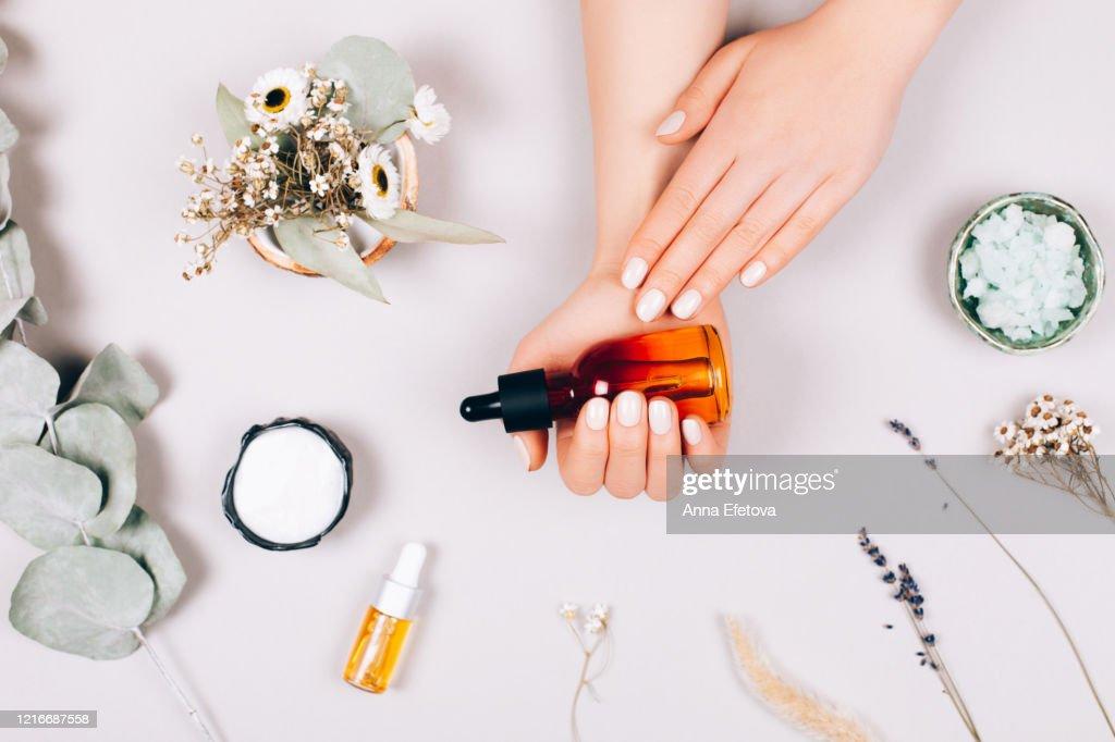 Care procedure for hands : Stockfoto