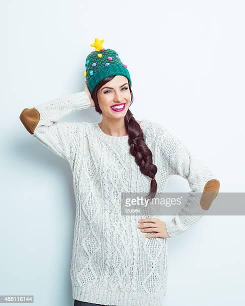 Carefree femme en tenue d'hiver