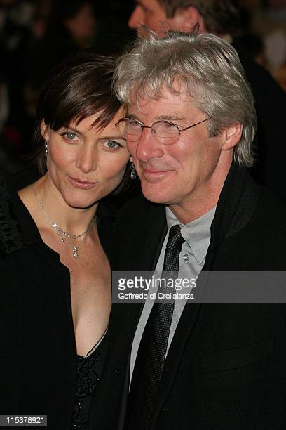 Carey Lowell and Richard Gere during Shall We Dance London Premiere Arrivals at Odeon West End in London United Kingdom