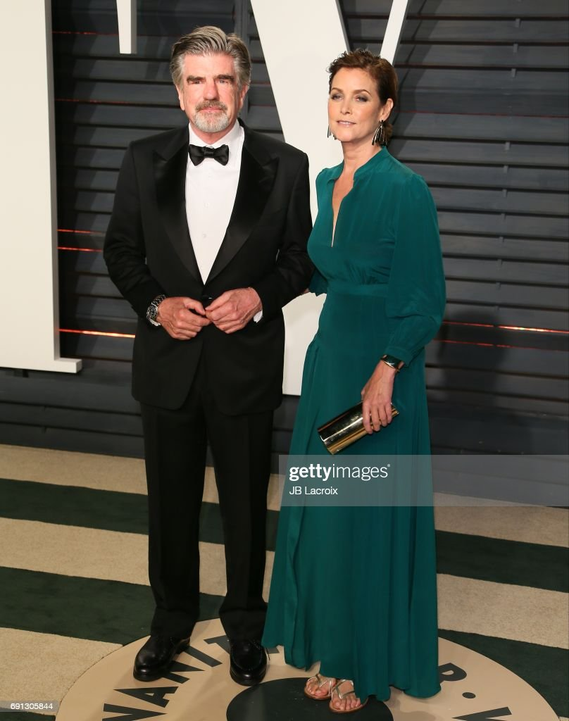 Carey lowell fotos bilder von carey lowell getty images carey lowell and treat williams attend the 2017 vanity fair oscar party hosted by graydon carter voltagebd Choice Image