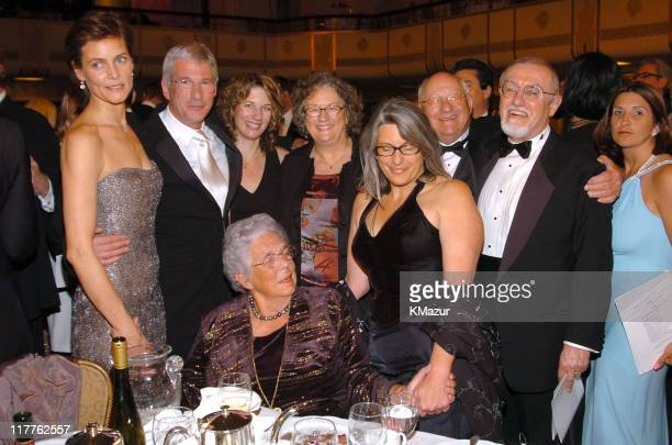 Carey Lowell, Richard Gere, sisters Laura, Susan and Joanne, father Homer Gere and mother Doris Gere