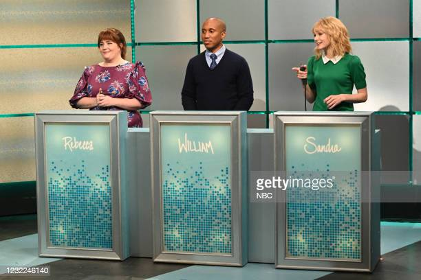 "Carey Mulligan"" Episode 1802 -- Pictured: Aidy Bryant, Chris Redd, and host Carey Mulligan as contestants during the ""What's Wrong With This..."