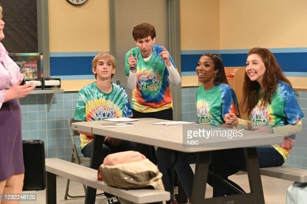 "Carey Mulligan"" Episode 1802 -- Pictured: Andrew Dismukes, Kyle Mooney, Ego Nwodim, and Heidi Gardner during the ""L'Eggs"" sketch on Saturday, April..."