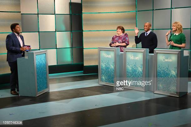 "Carey Mulligan"" Episode 1802 -- Pictured: Kenan Thompson as Elliott Pants, with Aidy Bryant, Chris Redd, and host Carey Mulligan as contestants..."