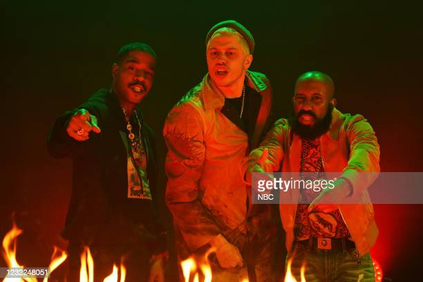 """Carey Mulligan"""" Episode 1802 -- Pictured: Musical guest Kid Cudi, Pete Davidson, and Chris Redd during the """"WLF"""" sketch on Saturday, April 10, 2021 --"""