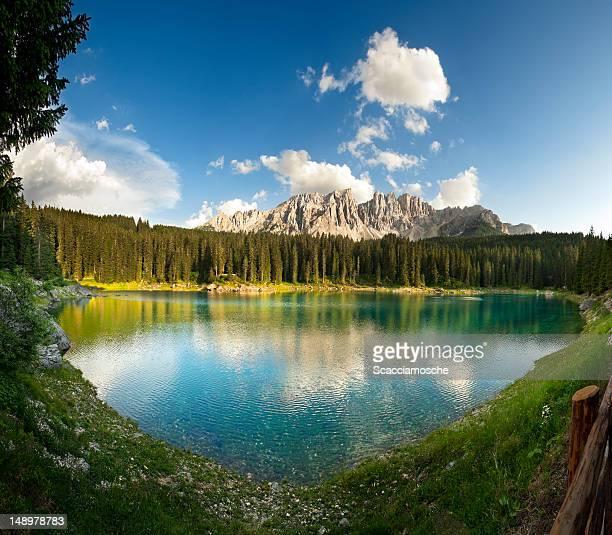 Lago di Carezza nelle Dolomiti (Lago di Carezza)