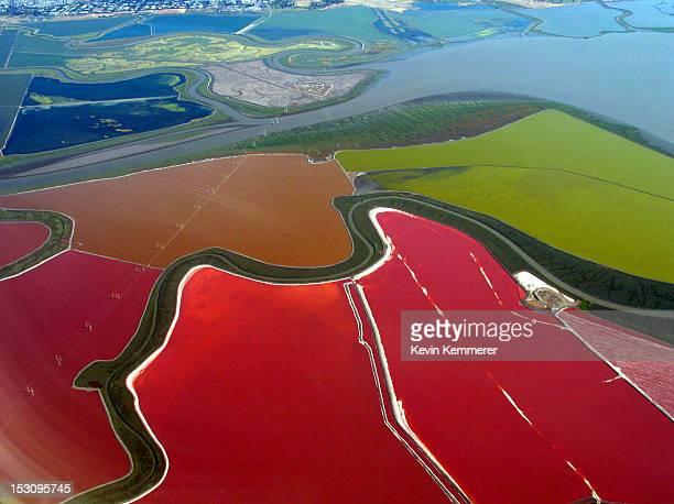 cargill salt ponds - ソルトポンド ストックフォトと画像