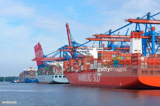 """cargo container ships at the container terminal in port - """"sjoerd van der wal"""" or """"sjo"""" stock pictures, royalty-free photos & images"""