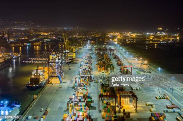 cargo operations - aerial view - finanza ed economia foto e immagini stock