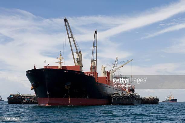 貨物船の海