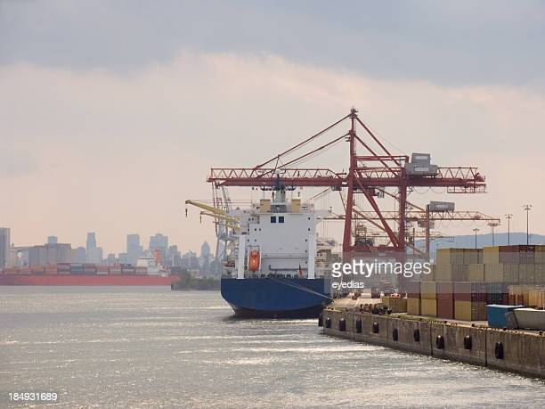 cargo ship docked - harbour stock pictures, royalty-free photos & images