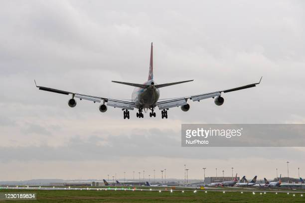 Cargolux Boeing 747-400 LX-ICL approaches a wet and windy runway 09 into East Midlands Airport from Abu Dhabi as a Formula 1 charter flight....