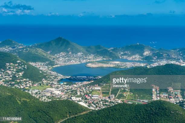 caribbean, antilles, aerial view of sint maarten - sint maarten caraïbisch eiland stockfoto's en -beelden