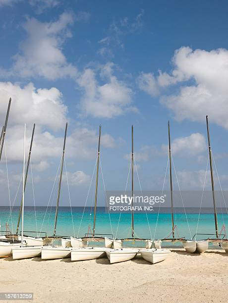 caribbean beach with sailboats - varadero beach stock pictures, royalty-free photos & images