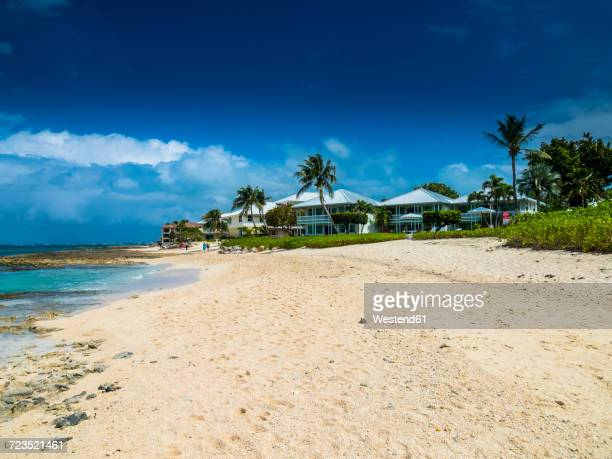 Caribbean, Cayman Islands, George Town, Luxury villas at Seven Mile Beach