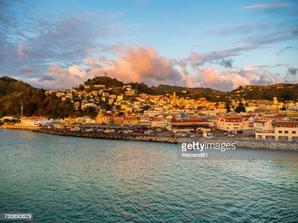 caribbean, lesser antilles, grenada, st. george's, harbor - paisajes de isla de  granada fotografías e imágenes de stock